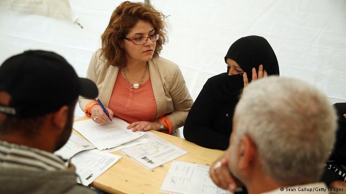چشمانتظاری برای جواب، مشکل اصلی پناهجویان برای یافتن کار