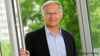 مارتین پاتسلت، نماینده مجلس آلمان به خاطر کمک به پناهجویان تهدید به مرگ شد