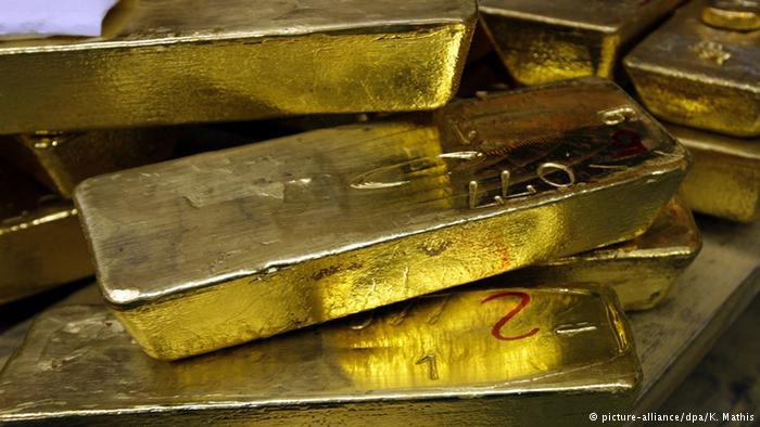 کشف گنجینهای از شمشهای طلا از زیر خاک در آلمان