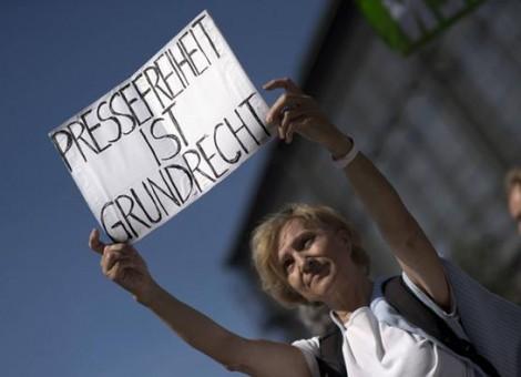 خیانت دو روزنامهنگار آلمانی