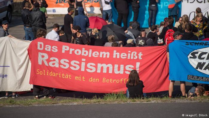 پاسخ حامیان پناهجویان به مخالفان در هایدناو :مشکل اصلی نژادپرستی است