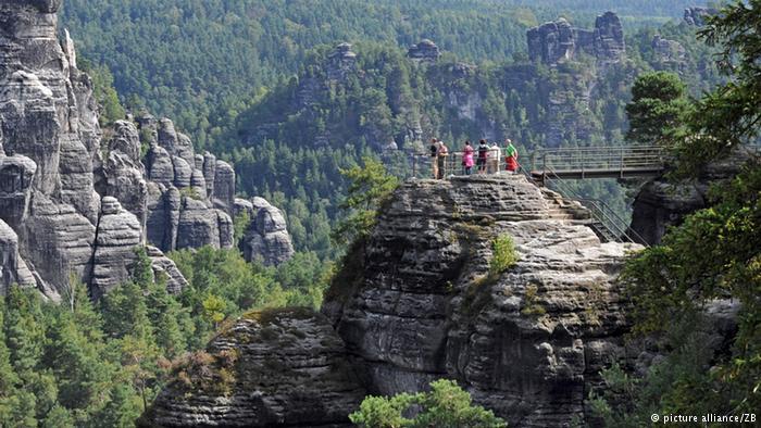 کوهها و صخرهای -سوئیس زاکسن