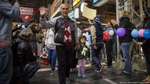 مرکل: آمادگی مردم آلمان برای استقبال از پناهجویان و کمک به آنها مایه افتخار است