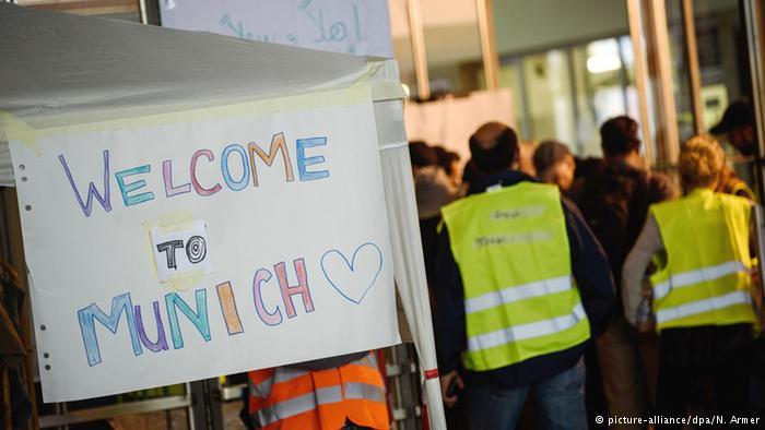 تصاویر ورود هزاران پناهجو به اتریش و آلمان5
