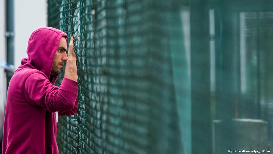 تقابل آلمان مهاجرپذیر و آلمان مهاجرستیز در دنیای آنلاین