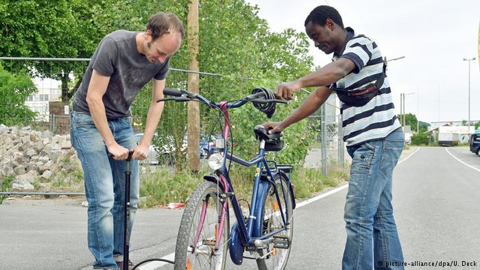 دوچرخه برای پناهندگان