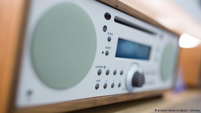 زبانآموزان در هر سطحی؛ همزمان با دیگر فعالیتها به رادیویی آلمانیزبان گوش کنید