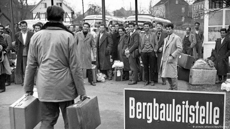 ورود ۳۶۲ کارگر معدن یونانی در نوامبر ۱۹۶۰ به شهر اسن به عنوان کارگر میهمان