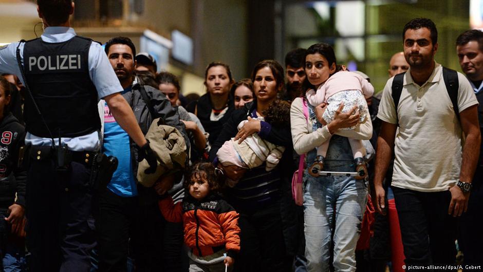 پناهجویان در ایستگاه مرکزی قطار مونیخ