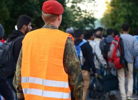 آمادهباش ارتش آلمان برای کمک به ساماندهی پناهجویان