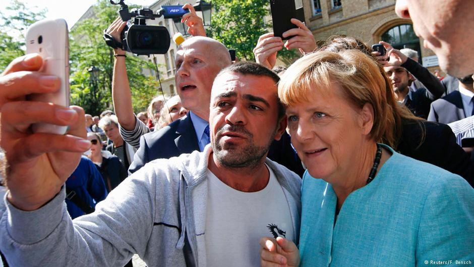 آنگلا مرکل، صدراعظم آلمان، به خاطر سیاست معتدل در قبال پناهجویان مورد انتقاد محافظهکاران قرار گرفته است