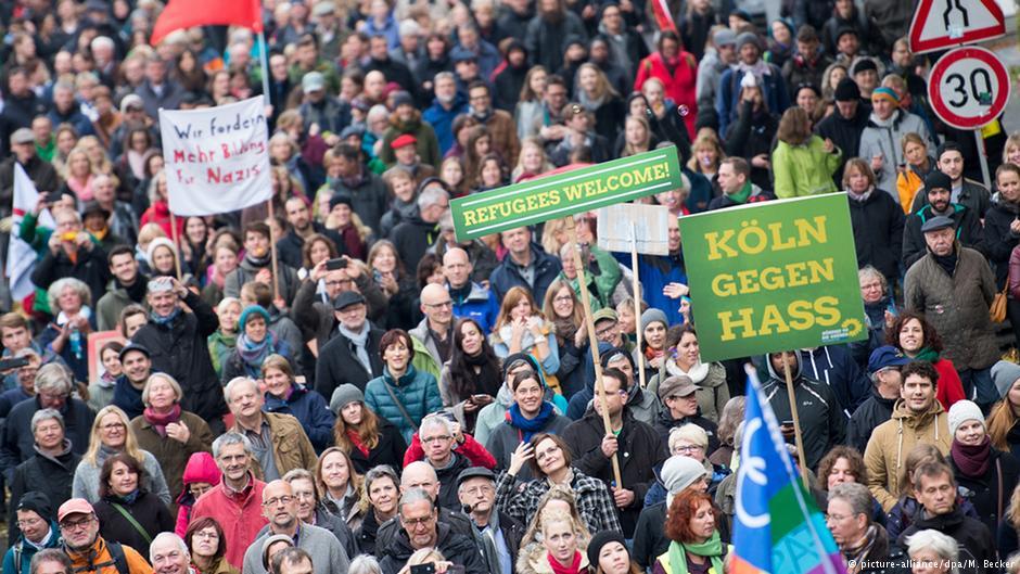 شرکت هزاران تن از مردم کلن در تظاهرات علیه نیروهای ضدخارجی