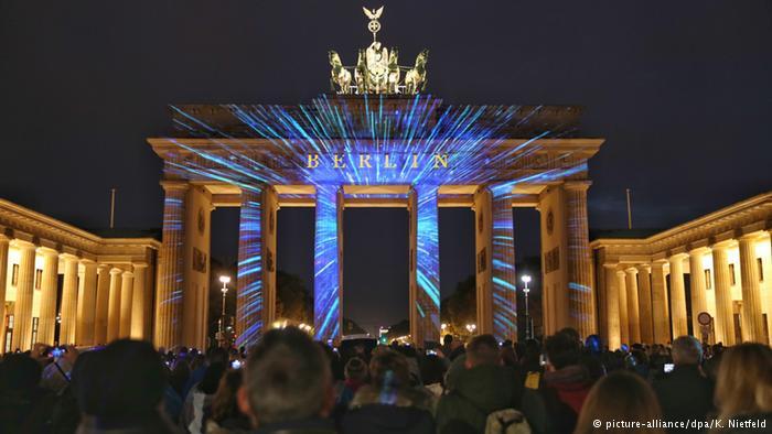 نورپردازی دروازه براندنبورگ برلین