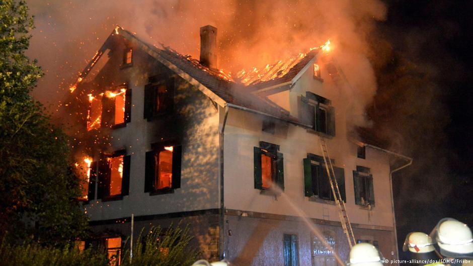 آتشافروزی در اقامتگاه پناهندگان در وایسباخ آلمان
