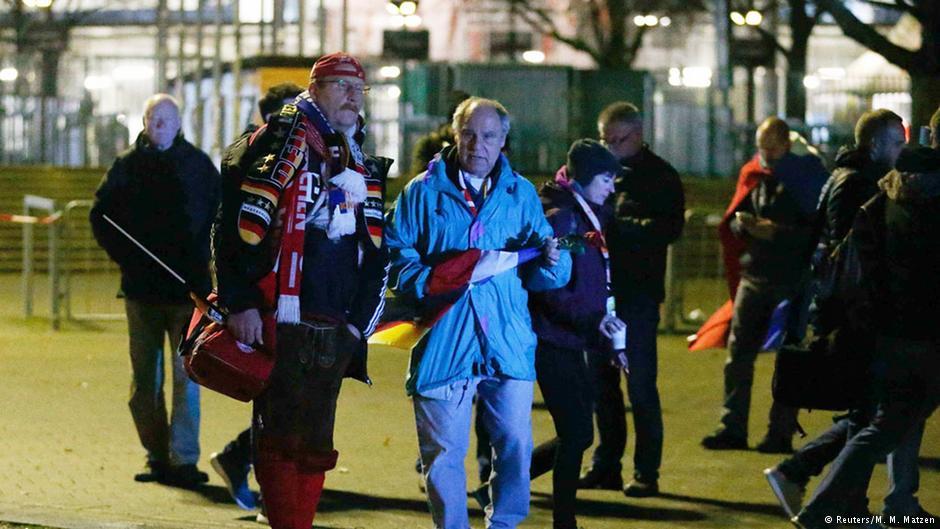 مقامات آلمانی کمی پیش از سوت آعاز مسابقهی فوتبال آلمان و هلند تصمیم به لغو بازی گرفتند