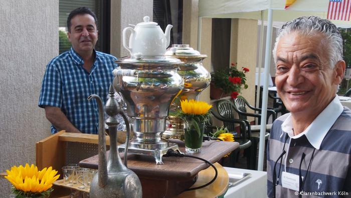 چای و سماور در خانه سالمندان شهر کلن