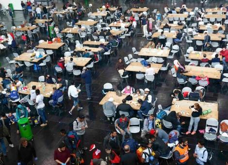 زد و خورد صد پناهجو به هنگام تقسیم غذا در کمپی در آلمان