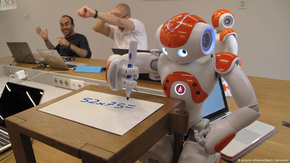 استفاده از روبات برای آموزش زبان آلمانی به کودکان پناهجو