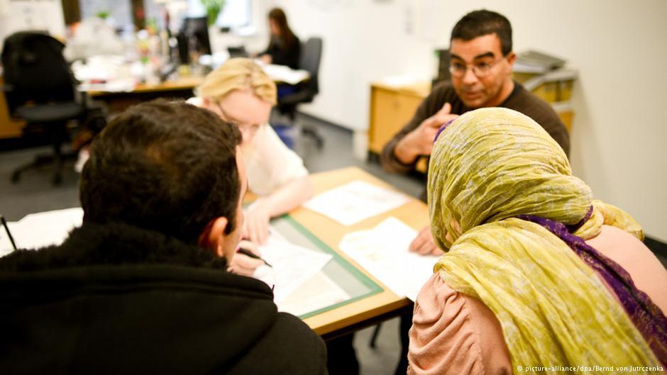 مدت رسیدگی به پرونده پناهجویان در آلمان بسیار طولانی است