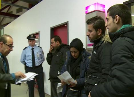 پناهجویان در آلمان نیز باید پول خود را تحویل دهند