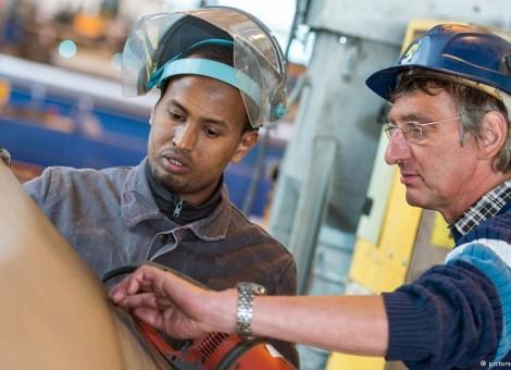 """"""" مهاجران باعث ایجاد فرصتهای شغلی میشوند"""""""