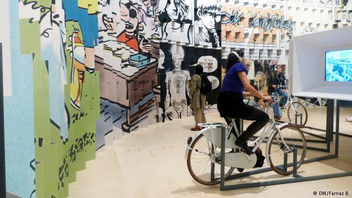در این تصویر امکان شنیدن به کتابهای صوتی همراه با ورزش روی دوچرخه را میبینید. در ضمن دیوارهای مصور هم بخشی از فرهنگ برزیل را نمایش میدهند.